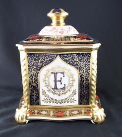 Royal Crown Derby珠寶盒